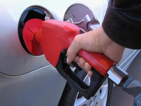 Le prix du pétrole doit-il augmenter ? beaucoup, et vite ? dans Les questions qu'on se pose essence